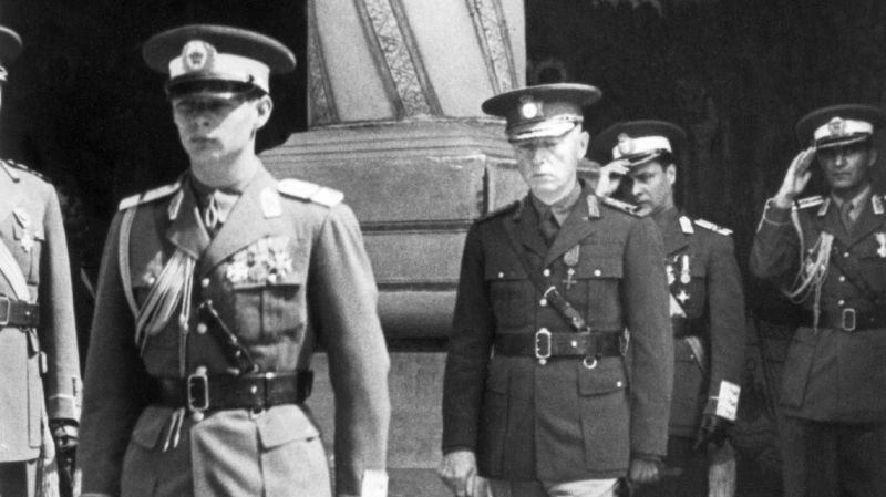 Regele-Mihai-I-si-Generalul-Ion-Antonescu